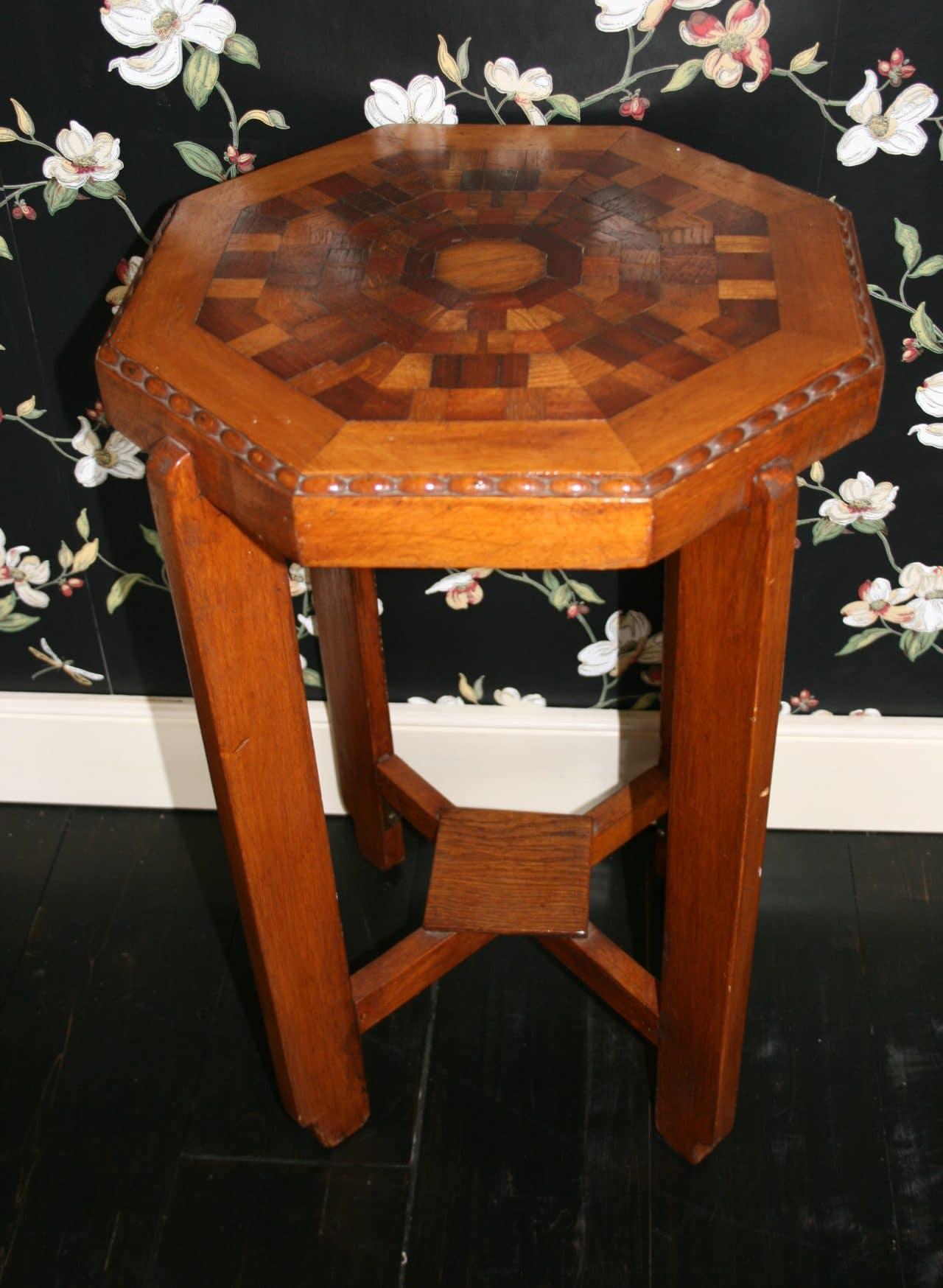 gallery of houten bijzettafel with thonet kapstok. Black Bedroom Furniture Sets. Home Design Ideas